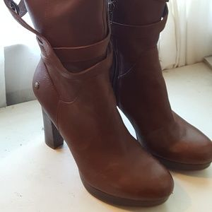 New! w/ Tags Ladies Size 7.5 UGG Beautiful Leather